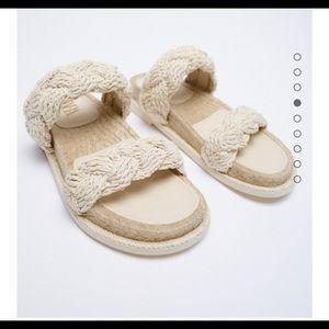Zara woven jute flat sandals sz 8 Nwt cream